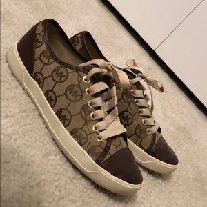 Michael Kors shoes 😊❤️